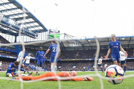 Chelsea X Tottenham Premier League 2017 2018 Photos Playmakerstats Com
